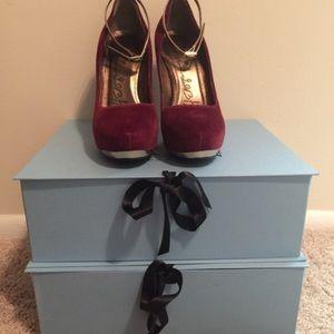 Lanvin Heels (high) size 6.5 never worn plum
